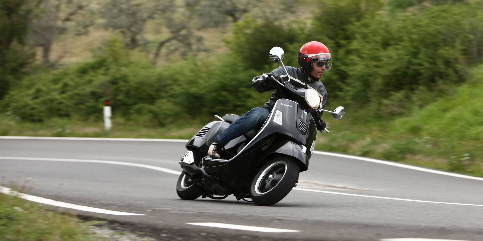 vespa-gts-review-1